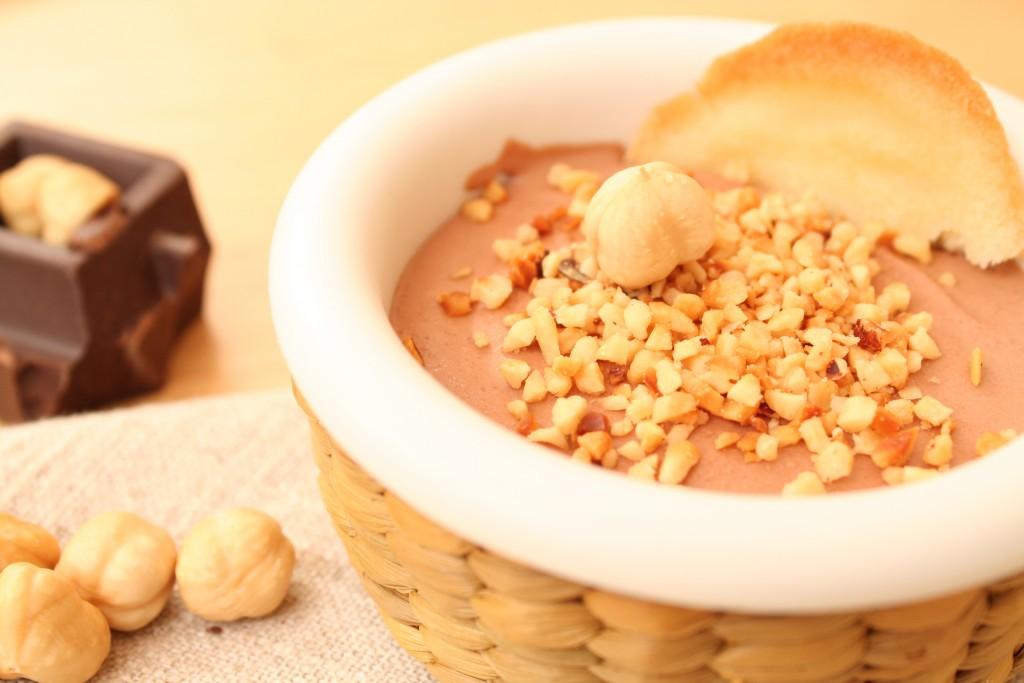 Mousse di cioccolato alle nocciole