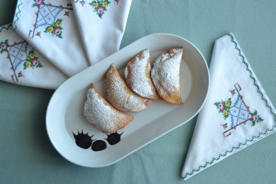Ravioli dolci di ricotta e cioccolato