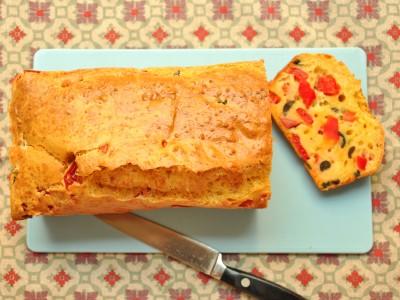 Plumcake salato olive e peperoni