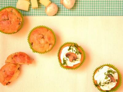 Muffin salati con i funghi
