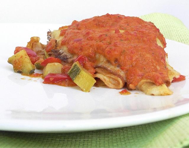 Crepes ripiene di zucchine e peperoni