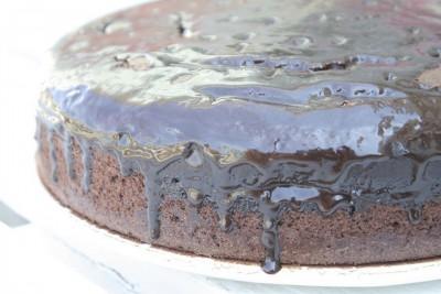 Torta ubriaca con cioccolato e vino rosso