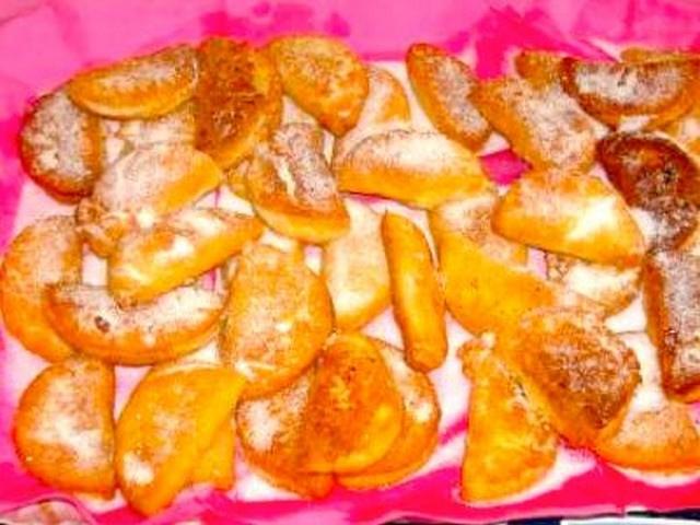 Tortelli dolci fritti con crema