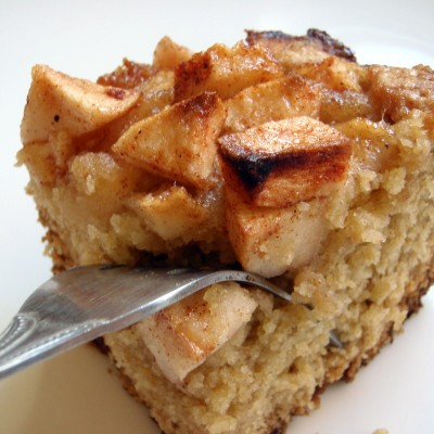 Torta di mele con yogurt (senza uova e burro)