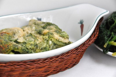 Lasagne al forno bianche con spinaci e mozzarella