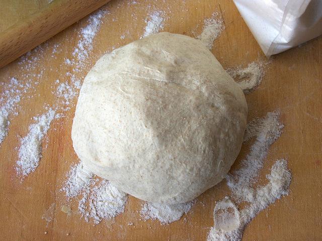 Pizza con lievito madre secco