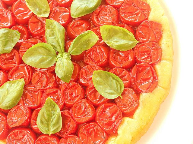 Tarte tatin salata ai pomodorini