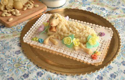 Agnello di pasta di mandorle