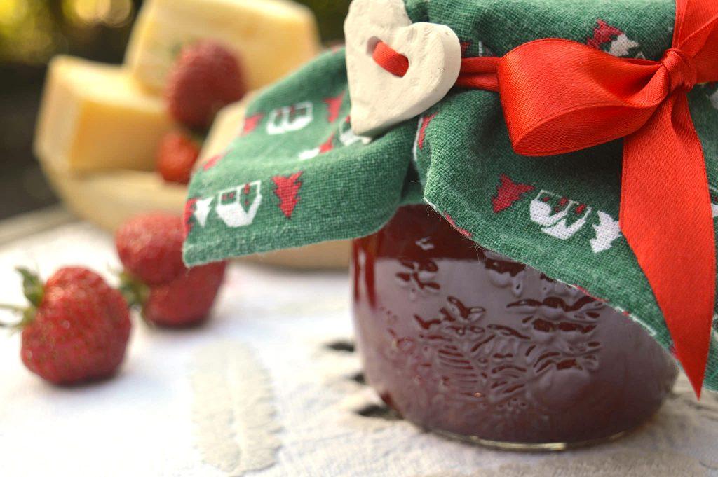 Confettura fragole e peperoni