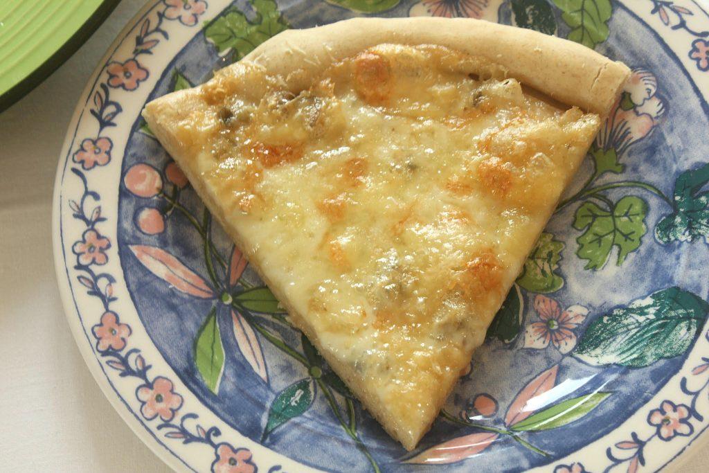Pizza ai quattro formaggi