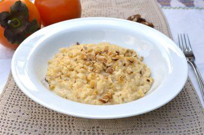 Risotto cachi, gorgonzola e noci