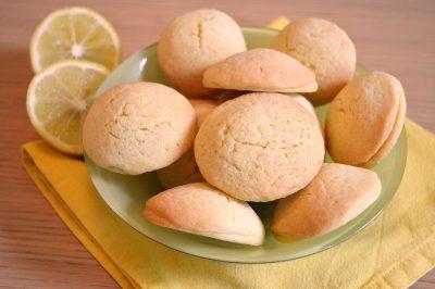 Biscotti tipo grisbì al limone