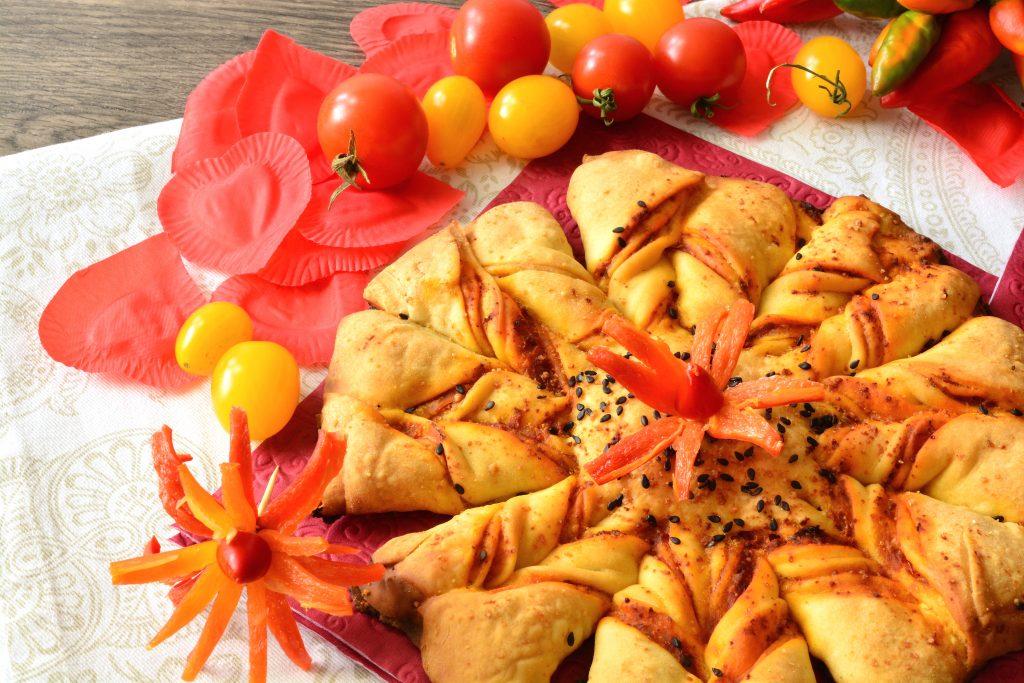 Stella di pan brioche salata al pomodoro