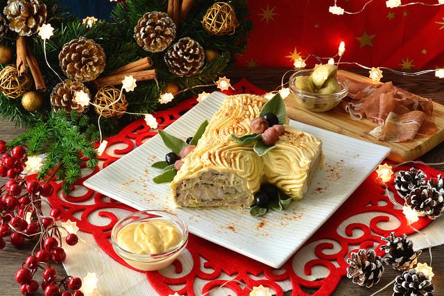Ricetta Tronchetto Di Natale Per 10 Persone.Tronchetto Di Natale Salato