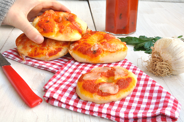 Ciambelle di pizza
