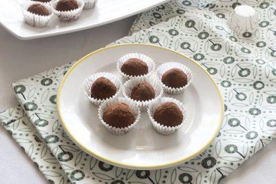 Tartufi al burro di arachidi e cioccolato