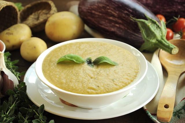 Zuppa fredda di melanzane