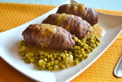 Involtini di carne con piselli