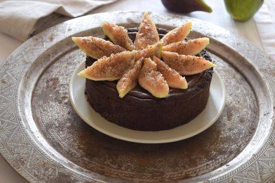 """Crostata al cioccolato e fichi tipo """"Fondo nero"""""""